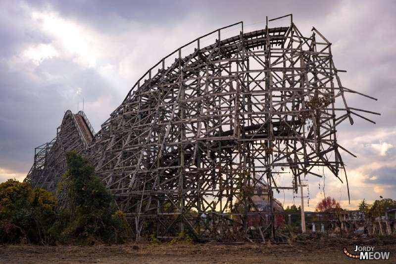 The nightmare remnants of a coaster in Nara Dreamland.